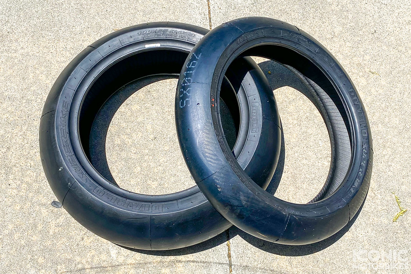 Pirelli Slicks -  (4)