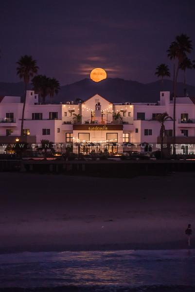 pismo sandcastle full moon-6863