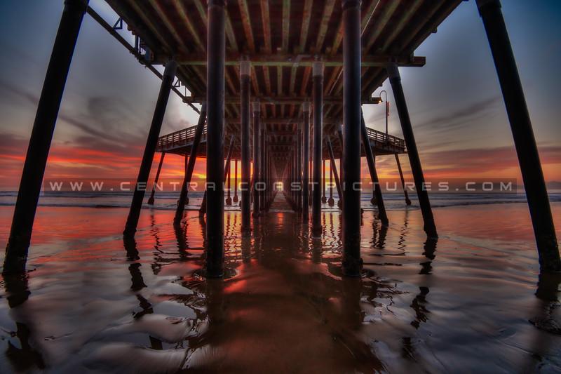 under pismo pier sunset 9177