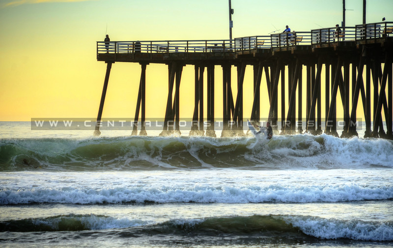 pismo-beach-pier-surfer_5047