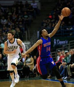 Pistons Bucks Basketball