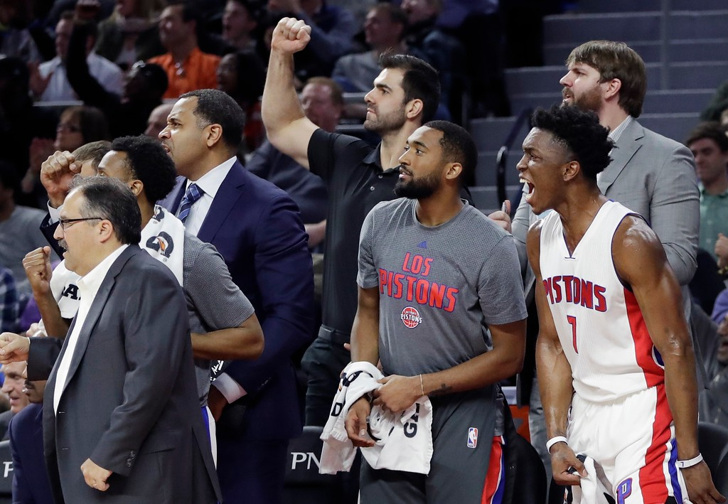 . The Detroit Pistons bench reacts after a teammate\'s basket during the closing minutes of an NBA basketball game against the Cleveland Cavaliers, Thursday, March 9, 2017, in Auburn Hills, Mich. The Pistons defeated the Cavaliers 106-101. (AP Photo/Carlos Osorio)
