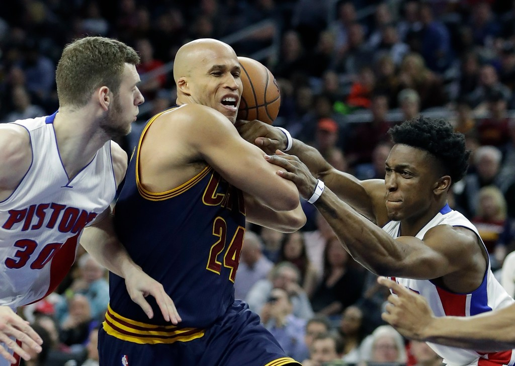 . Detroit Pistons forward Stanley Johnson, right, fouls Cleveland Cavaliers forward Richard Jefferson (24) during the second half of an NBA basketball game, Thursday, March 9, 2017, in Auburn Hills, Mich. (AP Photo/Carlos Osorio)