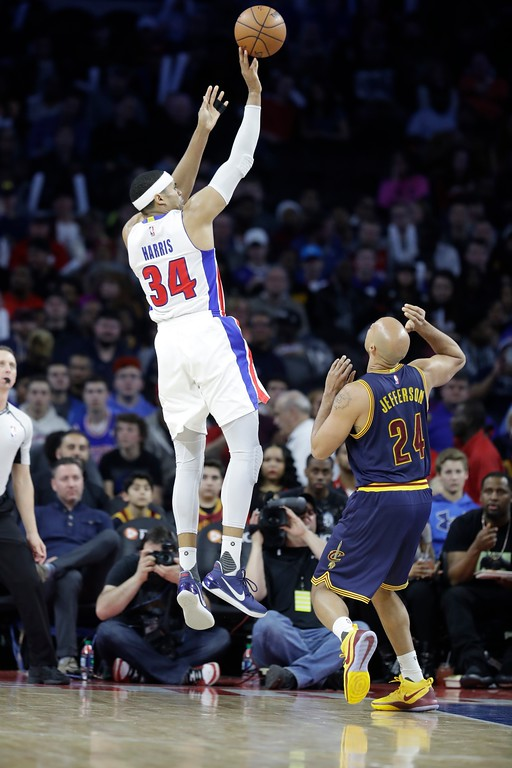 . Detroit Pistons forward Tobias Harris (34) shoots over Cleveland Cavaliers forward Richard Jefferson (24) during the second half of an NBA basketball game, Thursday, March 9, 2017, in Auburn Hills, Mich. (AP Photo/Carlos Osorio)