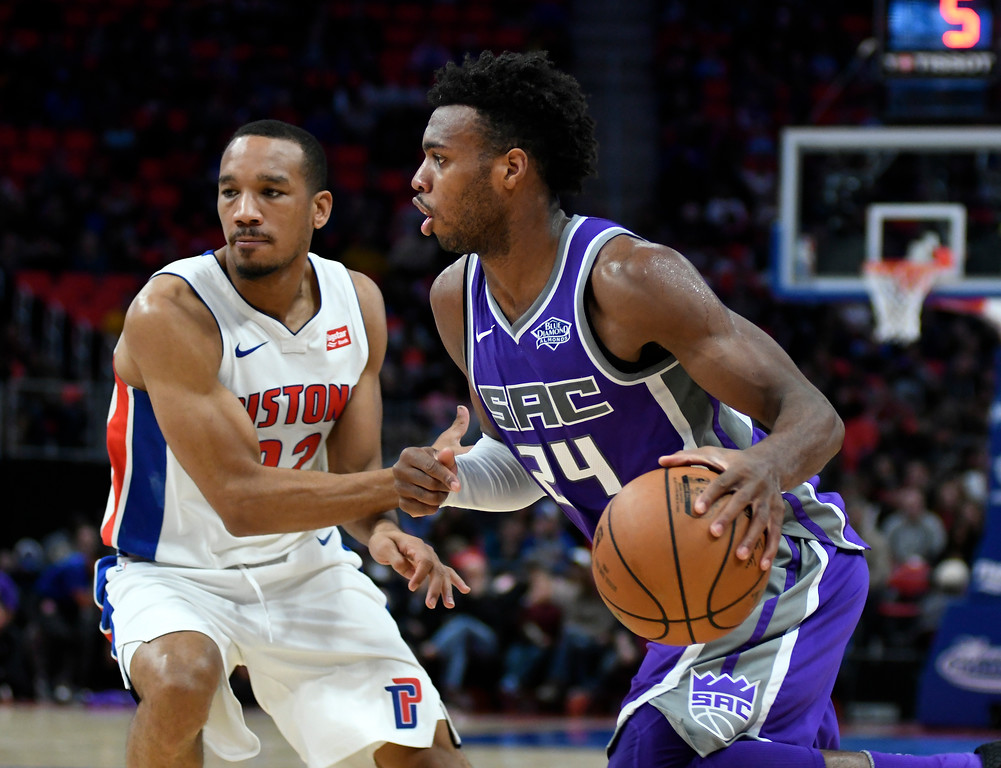. Sacramento Kings guard Buddy Hield (24) goes to the basket past Detroit Pistons guard Avery Bradley (22) in the fourth quarter, Saturday, Nov. 4, 2017 in Detroit.  The Pistons defeated the Kings 108-99.  (Special to The Oakland Press/Jose Juarez)