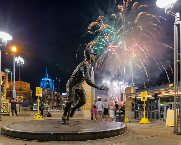 Roberto Clemente Statue - Pittsburgh Pennsylvania