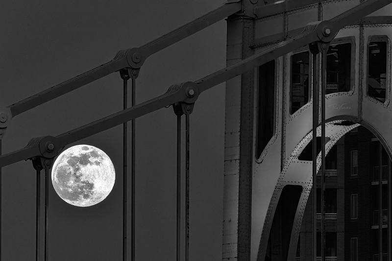 Supermoon 2021 and the Roberto Clemente Bridge