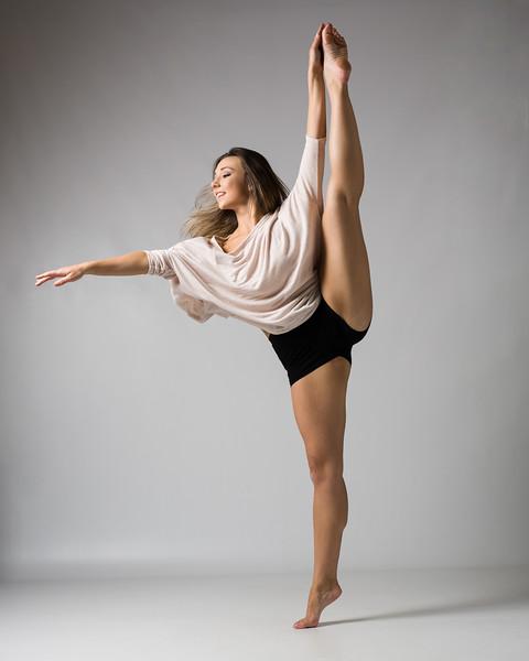 Kristina Lowe - Dancer