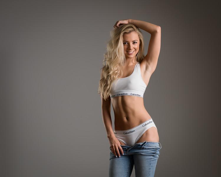 Anna MacDonald - dancer & gymnast