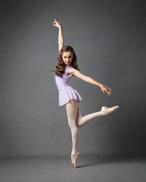 Robyn  -  @jatsdancer1