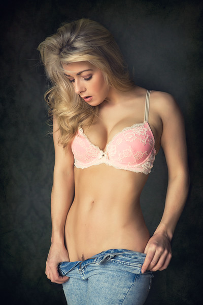 Tillie Feather - bra and jeans