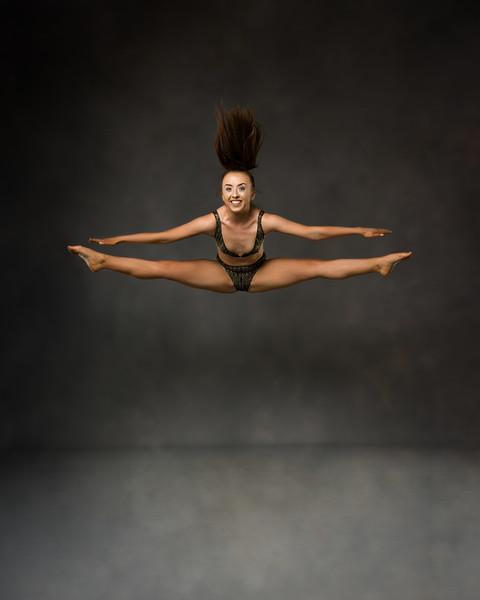 Amber Tracy - dancer