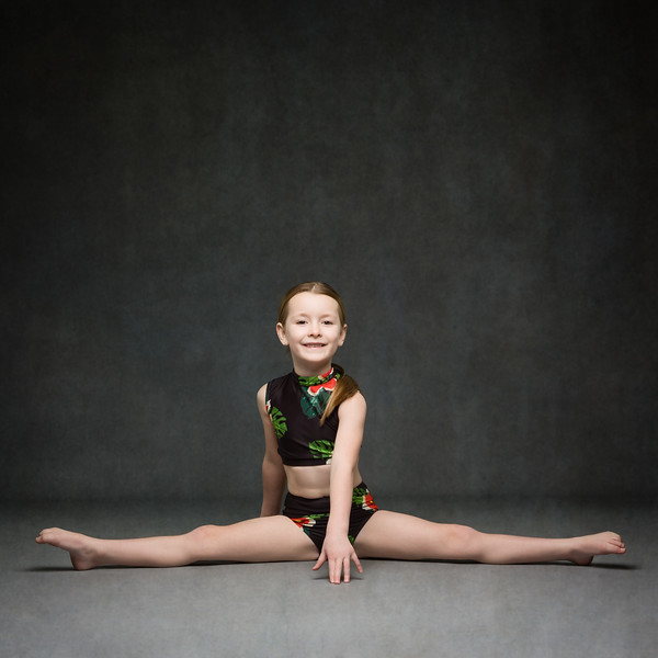 lily-mccoll-dance-photoshoot-UZ8A9168-Edit.jpg