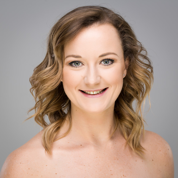 Rachael Bell - singer & dancer