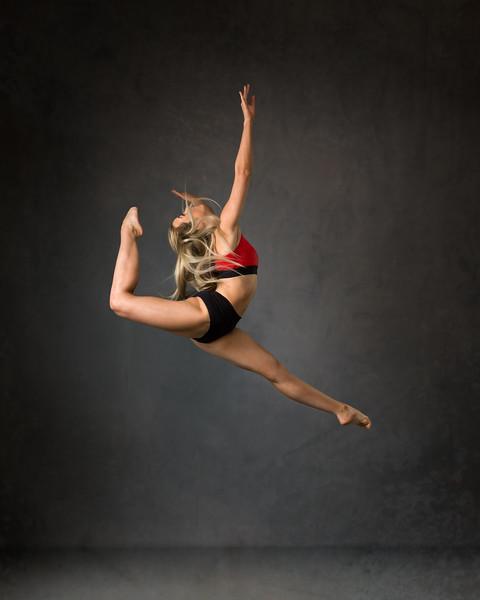 Chloe Peutherer - dancer