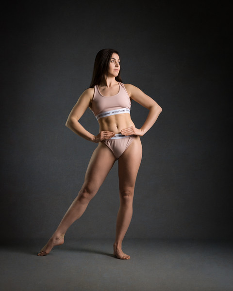 katie-hughes-dancer-bodyshot-2017-UZ8A9820-Edit.jpg