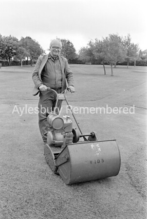 Bill Ewers, groundsman of Alfred Rose Park retires, May 1985