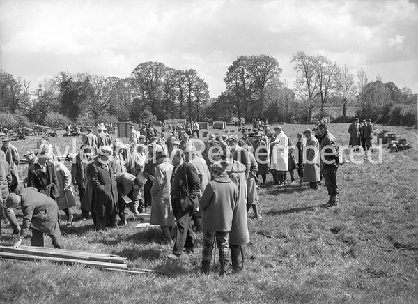 Bedgrove Farm sale, Apr 1959