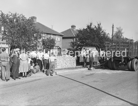 Lorry crash in Bicester Road, Aug 28 1958