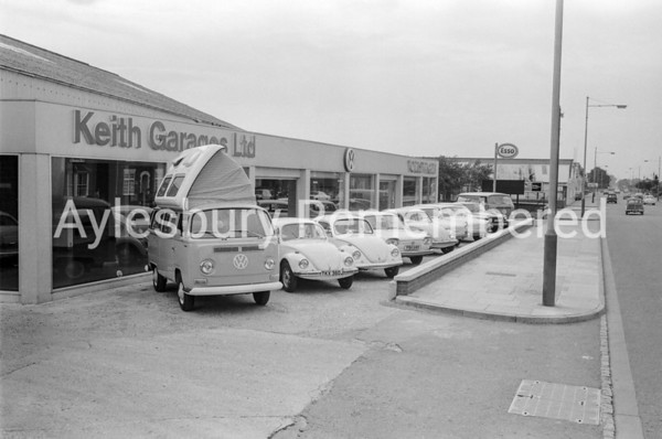 Keith Garages in Bicester Road, Sep 1970