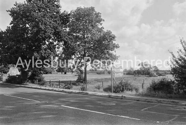 Site of new football ground in Buckingham Road, Sep 1984