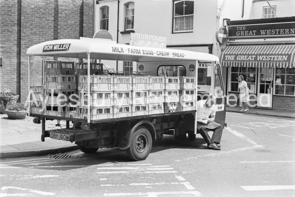 Ron Miller float on corner of Buckingham Street, July 1979