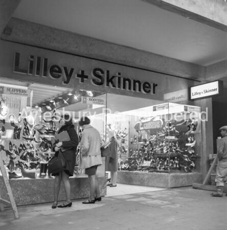 Lilley & Skinner in Friars Square, Nov 1966