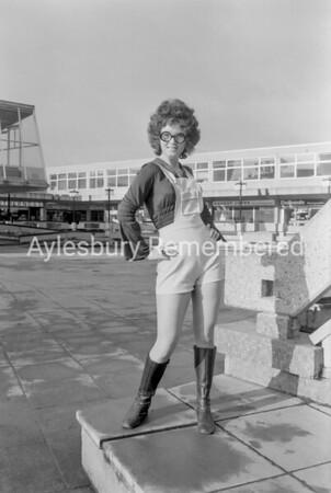 Model in Friars Square, Feb 1971