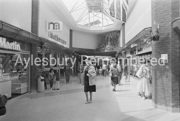 Hale Leys Shopping Centre, May 1986