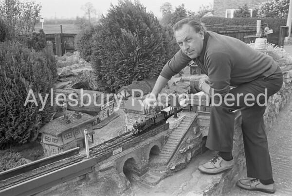 Mr Guy's railway at 79 Meadowcroft, May 1977
