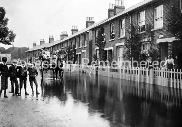 Floods in Park Street, c1900