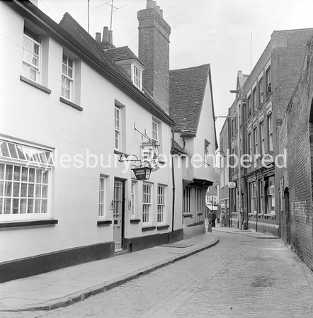 Foresters Arms, Pebble Lane, Apr 26 1969