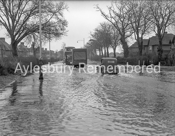 Floods in Tring Road, March 13 1947
