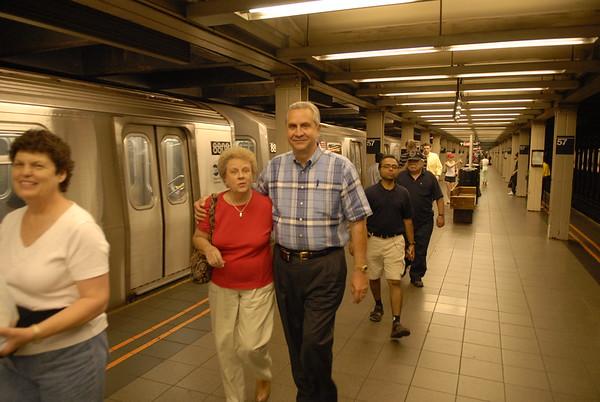 Rachel and Ron in Subway