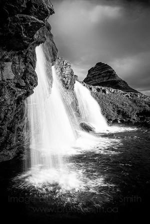 14 Amazing Iceland waterfall