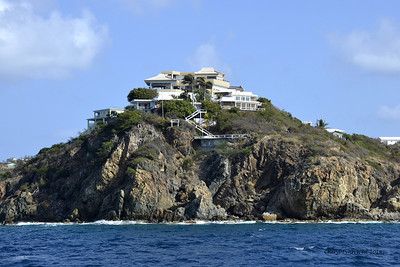 St. Thomas -Homes perched on the rocks (March 22, 2014)