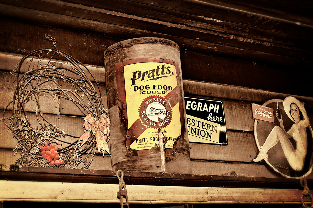 Pratts Dog Food at the Evinston General Store and Post Office - This food sold for five cents a pounds AND you got a feeding dish - FREE - with every ten pound purchase.