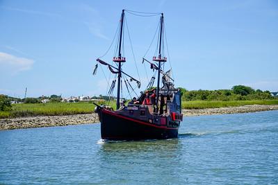 Pirate ship on the Matanza Bay