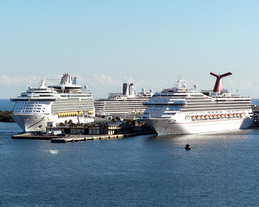 Other cruise liners in Ft. Lauderdale port