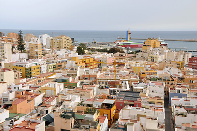 Climbing around Almeria with a nice view of the town