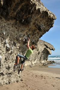 Bouldering at playa de Monsul