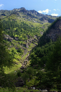 We're hiking up to the Lago di Robiei (a reservoir at the end of the Bavone valley, at about 2000m)