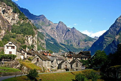 Fontanelata - yet another Ticino village