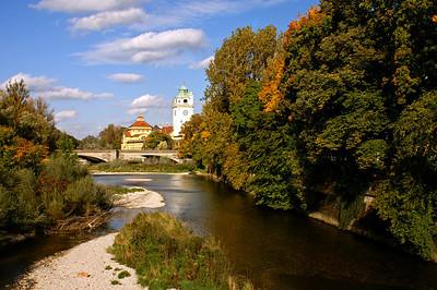 Walking along the Isar