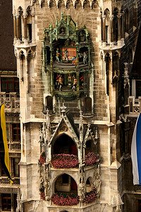 The famous Glockenspiel of the city hall