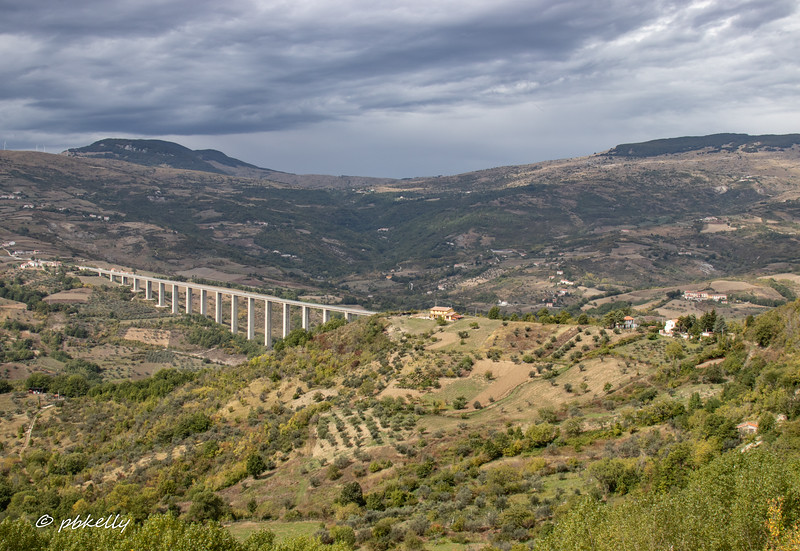 Another view of the bridge leading to Agnone
