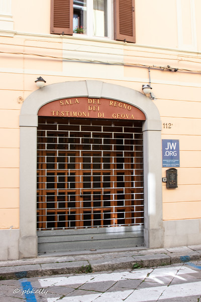 Another surprise. Agnone has a Jehovah's Witness temple.