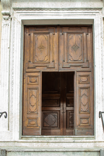 San Silvestro door.  Simple and lovely.