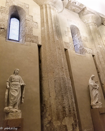 091621.  Inside view of Siracusa Cathedral showing use of the Greek columns