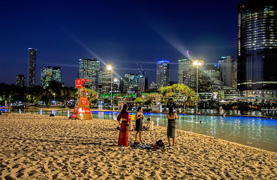 Southbank At Night Brisbane (2)